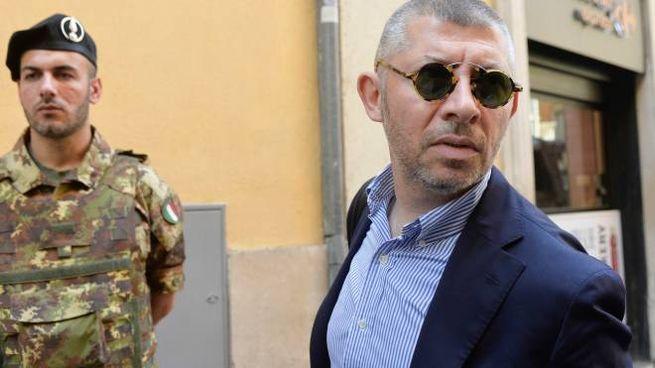 il deputato pd scalfarotto visita in carcere gli assassini del carabiniere .