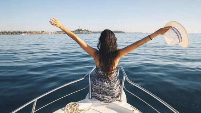 I consigli su outfit e accessori da portare in barca