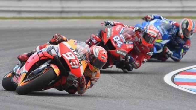 MotoGp, prossima tappa in Austria. Nella foto Marquez, Dovizioso e Rins (foto Lapresse)