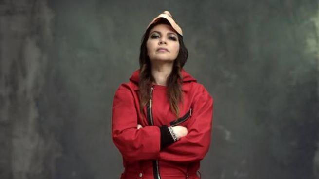 Cristina D'Avena nel promo della Casa di Carta  3