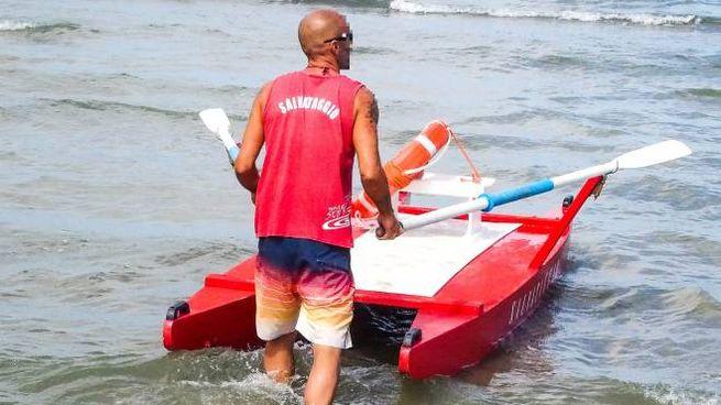 Marotta, un uomo è morto in spiaggia (foto d'archivio Bove)