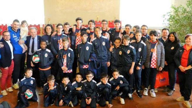 Il gruppo di Avis Volley Pistoia in Palazzo comunale