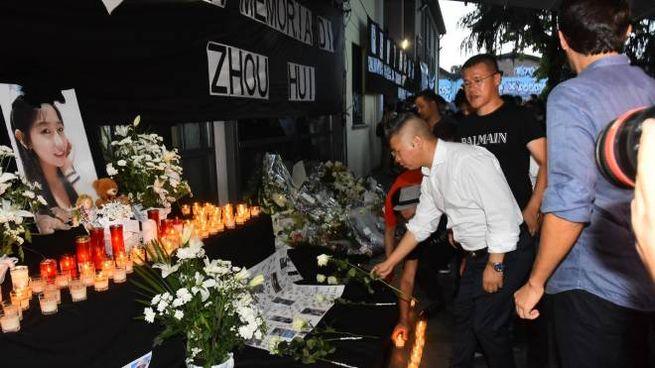 Reggio Emilia, la veglia per la barista uccisa (Foto Artioli)