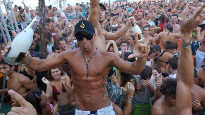 Eventi Ferragosto 2019, non mancano le feste in spiaggia (Foto Zani)