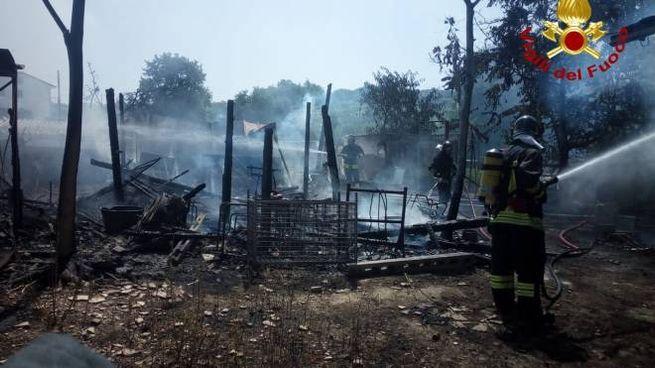 Incendio in un fienile a San Clemente
