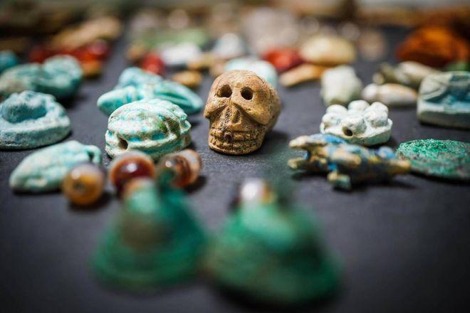 Pompei, lo strabiliante tesoro della fattucchiera: gemme e amuleti contro la malasorte