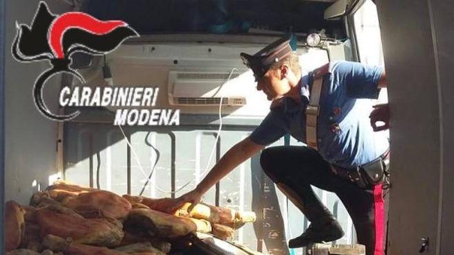 I prosciutti rubati ritrovati dai carabinieri