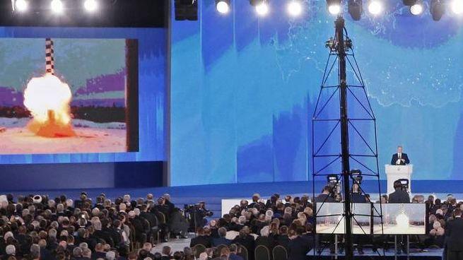 Il presidente Putin parla all'Assemblea federale russa (Ansa)