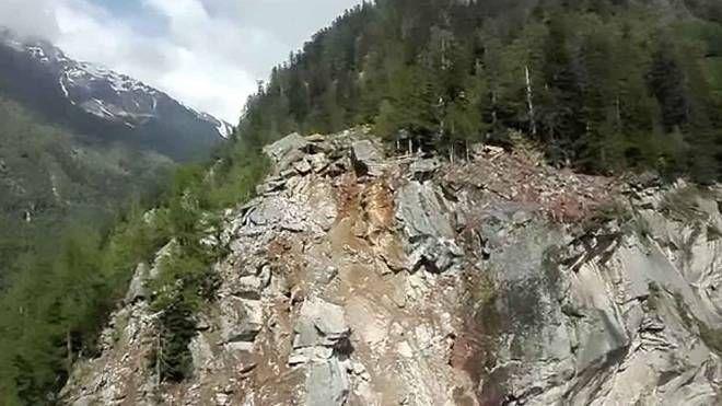Villa di Chiavenna, vallo paramassi: il cantiere a inizio 2020 - IL GIORNO