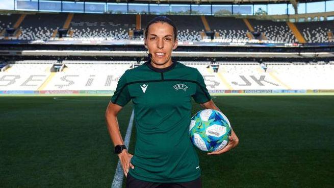Stephanie Frappart, arbitro della finale di Supercoppa Uefa  (Ansa)