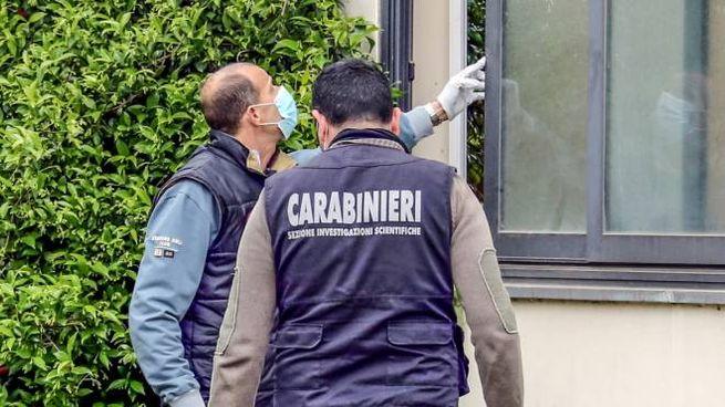 Carabinieri sul posto (foto Germogli)