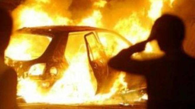 L'auto è andata distrutta