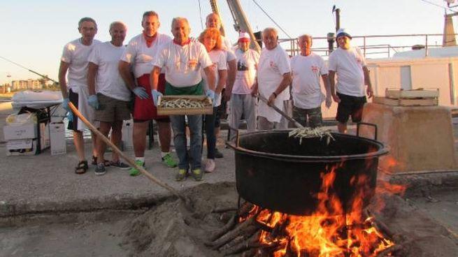 Maxi frittura alla festa di Porto Garibaldi