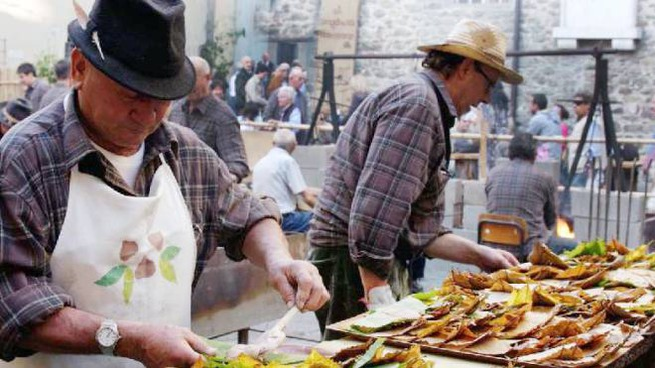 La castagna rappresenta un alimento fondamentale per tutta la Lucchesia