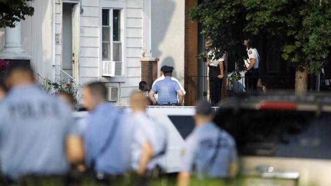 Filadelfia, la polizia sul luogo della sparatoria