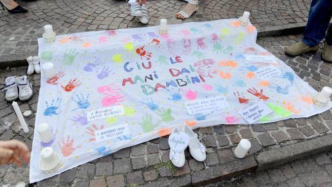 Manifestazione di solidarietà per i bambini di Bibbiano (foto d'archivio)