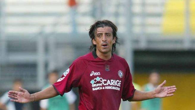Luis Centi con la maglia del Livorno