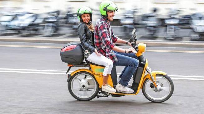 Sugli e-scooter MiMoto è possibile salire in due