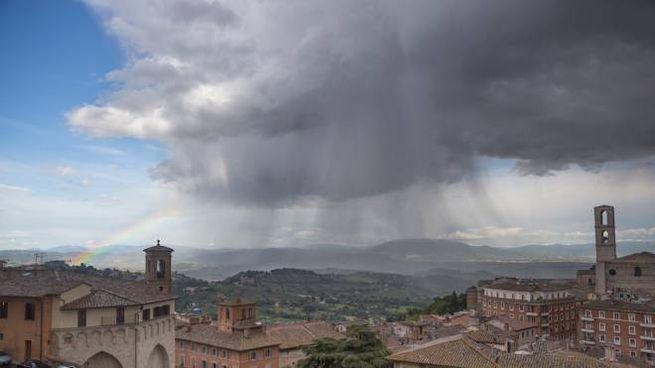 Previsioni meteo domenica 25 agosto: sole la mattina, pioggia nel pomeriggio