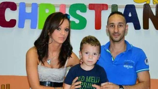 Paula Corduneanu e Daniele Antognoni con loro figlio