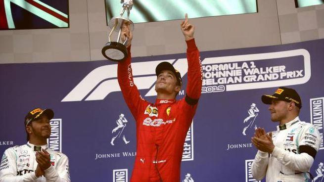 Leclerc festeggia il suo primo successo in F1 (Ansa)
