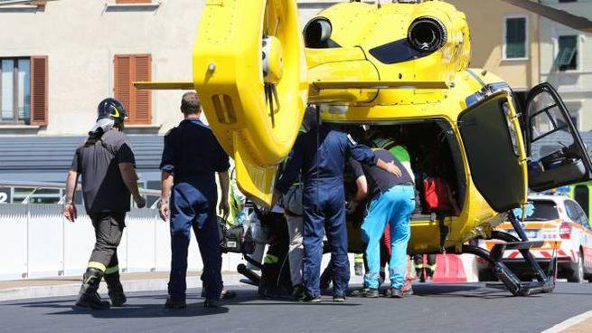 I soccorsi al giovane poi deceduto (Fotocronache Germogli)