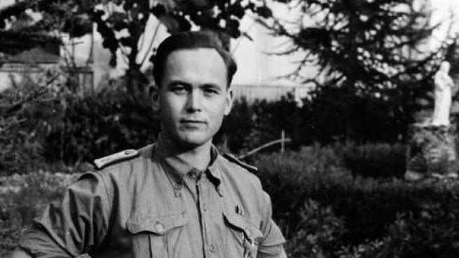 Il sotto tenente medico delle SS Olaf Jurgennsen nei pressi di Fossola