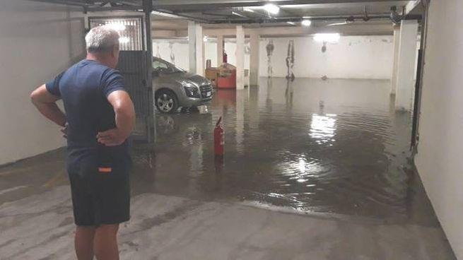 Un garage allagato a Guastalla