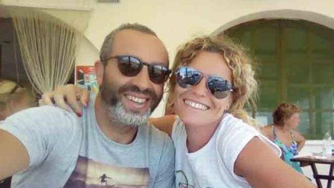 Marco Perazzino, qui ritratto con la moglie, aveva 49 anni
