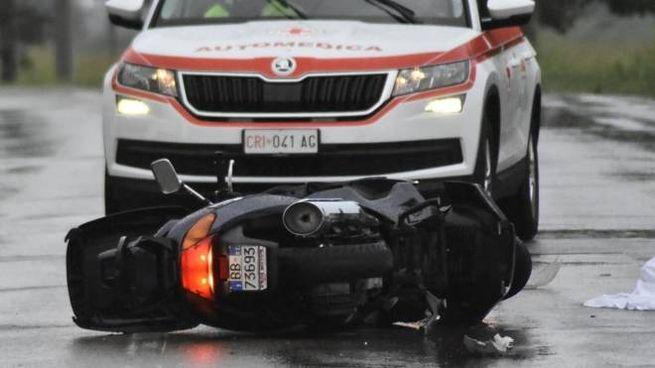 Lo scooterone del camionista di 58 anni (foto Artioli)