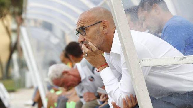 Il tecnico rossoblù Paolo Montero