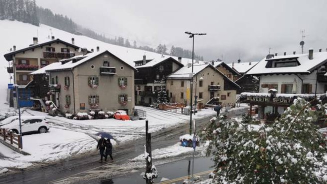 Livigno sotto la neve, domenica 8 settembre (da Facebook)