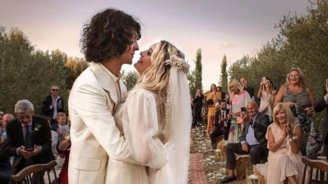 Il matrimonio di Carolina Crescentini e Francesco Motta  (Instagram)