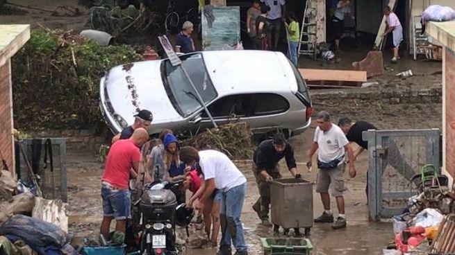 Garage allagati e auto distrutte nella zona dell'Apparizione