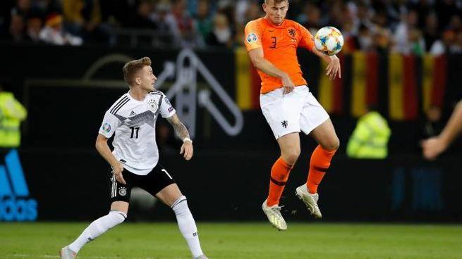 de Ligt in azione contro la Germania