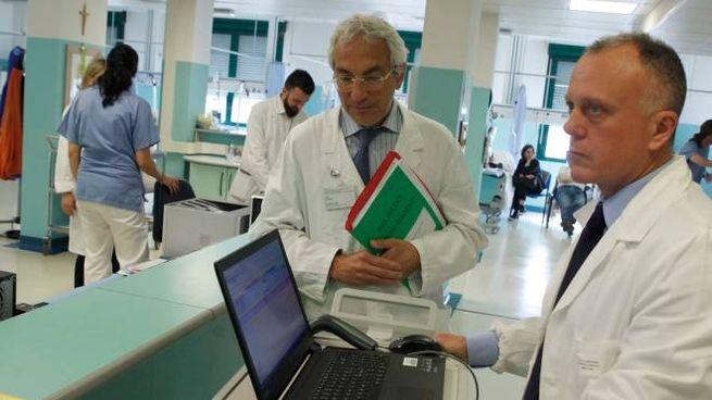 A destra il dottor Cappuzzo (Foto Corelli)