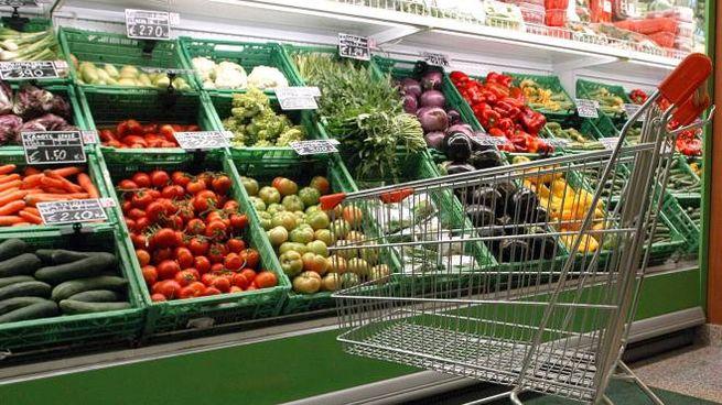 Supermercati (foto d'archivio Ansa)