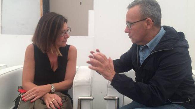 Il ministro Paola De Micheli e l'onorevole Walter Verini durante l'incontro di Ravenna