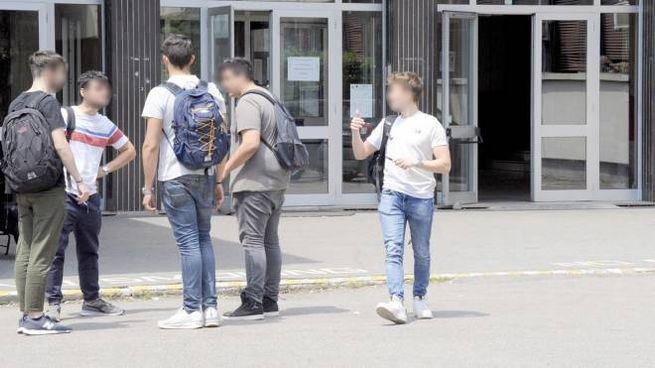 I carabinieri in congedo presidieranno l'istituto superiore Falcone Righi e le scuole medi