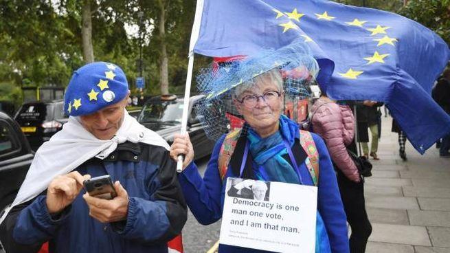 Manifestanti anti Brexit a Londra (Ansa)