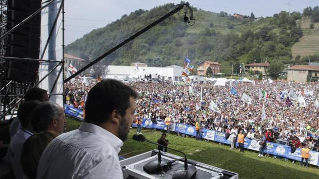 Matteo Salvini parla dal palco di Pontida