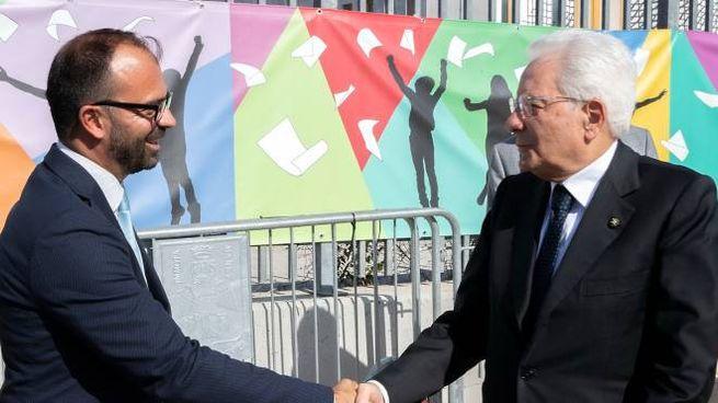Il Presidente della Repubblica Sergio Mattarella con Lorenzo Fioramonti (ImagoE)