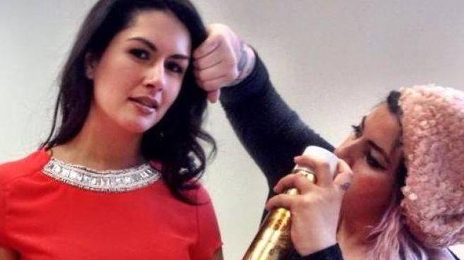 Michela Battistini e Luana Babbi. Le due parrucchiere cesenati lavorano a Londra