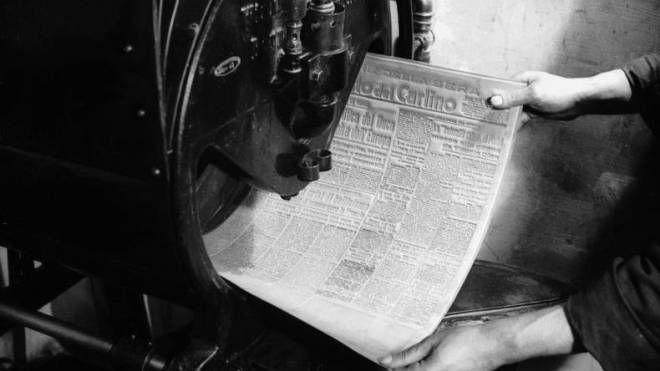 Una pagina appena stampata del quotidiano bolognese 'il Resto del Carlino', 1930 circa