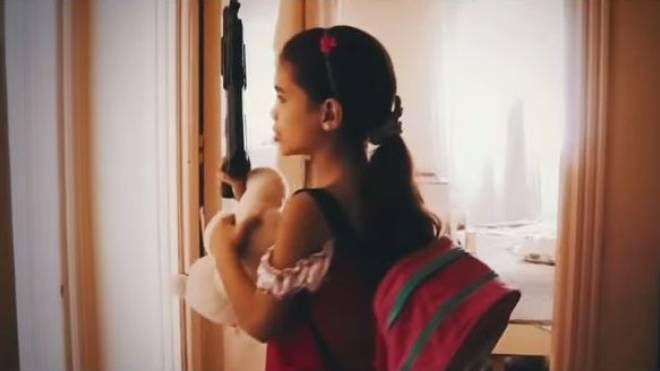 """Una frame del video della canzone """"Una croce nel vento"""""""