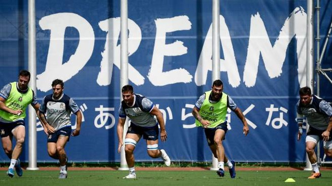 La Nazionale italiana di rugby in allenamento a Sakai (LaPresse)