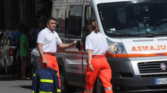 Inutile l'arrivo dell'ambulanza e dei soccorritori, l'uomo era già morto