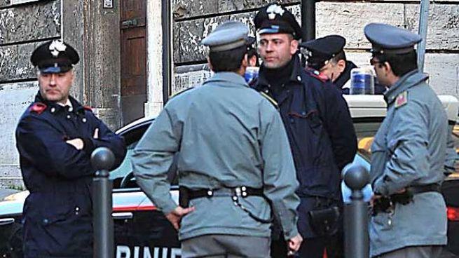Guardia di Finanza e Carabinieri (foto di repertorio)