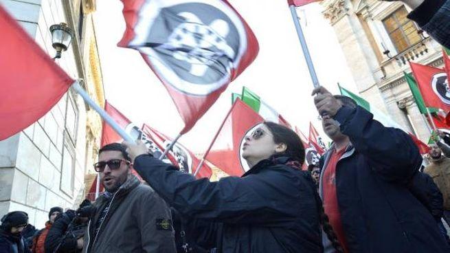 Foto Daniele Leone / LaPresse 10/12/2014 Roma, Italia Cronaca Manifestazione di Casapound contro Ignazio Marino. Campidoglio LaPresse