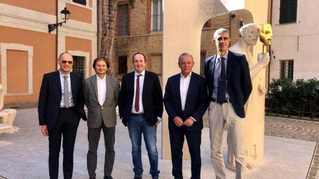 I vertici di Banca di Pesaro con quelli della Vuelle e il vice sindaco Daniele Vimini